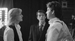 Пол Маккартни выразил соболезнования в связи со смертью актера Джона Херта. Заявление музыканта опубликовано на его  сайте .  Очень печальные новости о нашем дорогом друге Джоне Херте, которого я знал с 60-х годов как друга и коллегу, – сказал сэр Пол.  Маккартни назвал Херта фантастическим актером, с которым всегда было весело находиться рядом и у которого был по-хорошему циничный взгляд на мир.   Херт скончался 27 января в возрасте 77 лет. Артист известен по таким фильмам, как Человек-слон, Чужой, V значит Вендетта. В лентах о Гарри Поттере он играл Гаррика Олливандера.