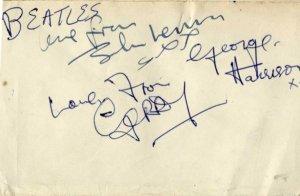 Жительница Ноттингема продает полученные в 1963 году автографы Битлз. Полное имя женщины не сообщается, известно лишь, что зовут ее Кэтлин. Об этом пишет  Nottingham Post .  В 1963-м британке было 20 лет. 7 марта она увидела битлов во время их первого из четырех визитов в Ноттингем. Более того, ей удалось получить автографы для своего альбома - Love from John Lennon XXX и George Harrison X.  Кейтлин также смогла получить роспись Джерри Марсдена из Gerry and the Pacemakers.  Продажей занимается Mellors & Kirk. Торги пройдут 4 октября. Автографы оцениваются в сумму от £1 тыс. до £1,5 тыс.  Британка хранила раритет в течение 54 лет. Она не грустит из-за расставания с автографами, поскольку кто-то другой будет их бережно хранить.