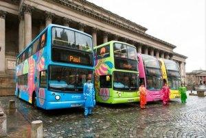 По Ливерпулю начали ездить разноцветные двухэтажные автобусы, посвященные Битлз. Даблдекеров будет четыре, передает  Liverpool Echo .  Транспортные средства оформлены в психоделическом стиле в честь 50-летия Sgt Pepper's Lonely Hearts Club Band. Расцветка каждого автобуса соответствует костюму, в котором Джон Леннон, Пол Маккартни, Джордж Харрисон и Ринго Старр позировали для обложки альбома.  Увидеть тематические даблдекеры можно будет в течение 2018 года.
