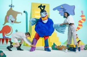 Популярный носочный бренд из Швеции  Happy Socks  представил новую линейку носков, посвящённую мультфильму с участием Битлз «Жёлтая субмарина».