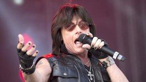 66-летний экс-вокалист Deep Purple Джо Линн Тернер (настоящее имя Джозеф Артур Марк Линквито) был госпитализирован минувшей ночью в больницу скорой медицинской помощи с инфарктом миокарда.