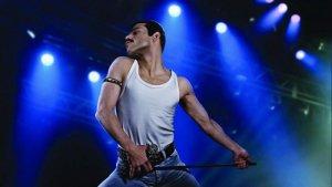 Вышел первый трейлер байопика о культовой группе Queen «Богемская рапсодия». Сюжет фильма рассказывает о зарождающейся популярности и личной жизни музыкантов.