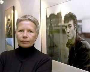 20 мая 2018 года Астрид Кирхер исполнилось 80 лет.  С битлами Астрид познакомилась в 1960-м в Гамбурге благодаря Клаусу Ворману. Она автор многих известных фотографий группы и одна из тех, кто значительно повлиял на формирование имиджа Битлз.  В 1960 году Астрид обручилась со Стюартом Сатклиффом (он скончался в 1962-м). Впоследствии Кирхер дважды выходила замуж, но в настоящее время она живет одна.  За свою жизнь Астрид сменила множество профессий, выпустила несколько книг, сейчас у нее есть  фотомагазин K&K в Гамбурге .