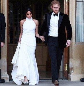 Пол Маккартни заявил в  инстаграме , что гордится дочерью Стеллой, создавшей платье для жены принца Гарри — актрисы Меган Маркл.  В этом наряде звезда сериала «Форс-мажоры» появилась на вечеринке в день своего бракосочетания.  Сэр Пол поздравил Меган и Гарри с их «потрясающей свадьбой», а также  отметил , что юрист Амаль Клуни и телеведущая Опра Уинфри пришли на церемонию в платьях от Стеллы.