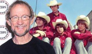 В возрасте 77 лет скончался басист рок-группы The Monkees Питер Торк. Об этом  сообщает Daily Mail .