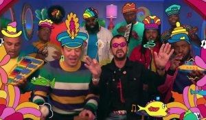 Ринго Старр представил новую версию песни Yellow Submarine в шоу Джимми Фэллона, сообщает  Rolling Stone . Музыканту и телеведущему помогала группа The Roots.  Особенность этого варианта в том, что он исполнен на игрушечных инструментах. При оформлении ролика использовались декорации, напоминающие битловский мультфильм. Стилизованной была и анимация.