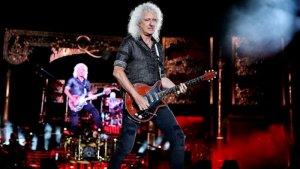 Назван величайший рок-гитарист всех времен. Об этом  сообщает  портал Classic Rock со ссылкой на опрос, проведенный изданием Total Guitar. Читателям предложили составить рейтинги из 170 музыкантов, каждый из которых относился к определенной жанровой категории: классический рок, блюз, хеви-метал, шред, инди. Кроме того, присутствовала категория «лучшее сейчас».