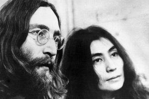 Убийце Джона Леннона Марку Дэвиду Чепмену сейчас 65 лет, и ему в 11-й раз отказано в условно-досрочном освобождении через 40 лет после убийства.