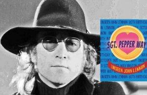 Ливерпульский музей The Beatles Storey рассказал о выставке Sgt. Pepper Way с редкими фотографиями Джона Леннона, сообщает  Beatles Magazine UK . Экспозиция приурочена к 80-летней годовщине со дня рождения музыканта.  Снимки были сделаны в Нью-Йорке 17 октября 1974 года, когда в The Beacon Theatre показывали театральное шоу Sgt. Pepper's Lonely Hearts Club Band on the Road. Автор фото — Роберт Дейч.  «Я встречал Джона несколько раз, и он всегда был очарователен, с ним было очень легко разговаривать, но я страшно нервничал, потому что он был битл, а я — большим фанатом Битлз. Он забрался на лестницу и изменил название улицы на Sgt Pepper Way, а потом пошел в театр и пригласил нас всех к нему присоединиться», — вспоминает Роберт.  Со своей стороны, в The Beatles Story рассказали, что рады поделиться с публикой этими потрясающими снимками, которые в течение многих лет хранились у фотографа и не были известны.  Новая выставка будет продолжаться три года. За это время экспозицию дополнят и другими редкими снимками из коллекции Дейча.