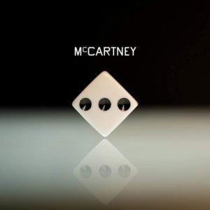 Издание Super Deluxe Edition в деталях  разобрало  альбом McCartney III.  Как отмечается в статье Пола Синклера, у Пола Маккартни всегда есть то, что можно сравнить с карточкой «Бесплатно освободитесь из Тюрьмы» из игры «Монополия» — это его способность создавать и исполнять прекрасные мелодии. Даже если иногда можно придраться к словам (Jet или Ebony and Ivory), то сэру Полу это сходит с рук, потому что мелодии очень хорошие, и выкинуть их из головы практически невозможно. Еще один пример — Mull of Kintyre, обманчиво простая песня, которая очень нравится, причем в первую очередь благодаря музыке.  В 2020 году это становится проблемой. Маккартни неизменен как музыкант и студийный созидатель, но его прекрасный голос, инструмент, работавший в полную силу более 60 лет, больше не функционирует на все 100%, что неудивительно. Грустно размышлять о том, что мы больше не получим и что он больше не может нам дать. Но в каком-то смысле думать так эгоистично, ведь как много способен дать один человек? У Маккартни было три мощных десятилетия коммерческого успеха и множество великих хитов, а после — еще 30 лет, когда использовалось это наследие, продолжались гастроли и выходили в основном хорошие и великолепные альбомы.  У автора материала любимый вокал сэра Пола датируется началом 1980-х годов (Tug of War, Pipes of Peace и Give My Regards To Broad Street). Он связывает это с тем, что примерно тогда начал активно покупать записи Маккартни. Как отмечает Синклер, у того голоса был мощный диапазон, и он был способен на все, что угодно.  Автор статьи задается вопросом, что такая ситуация с вокальными данными значит для написания песен: «Очевидно, что Маккартни больше не может исполнять такие песни, как Wanderlust (из альбома Tug of War). Более того, он наверняка не может и сочинить такую песню, как Wanderlust. Потому что его ограничивают возможности голоса. Да, конечно, Пол вполне способен обозначить мелодию для вокала на гитаре или фортепиано, находящуюся за пределами его диапазона