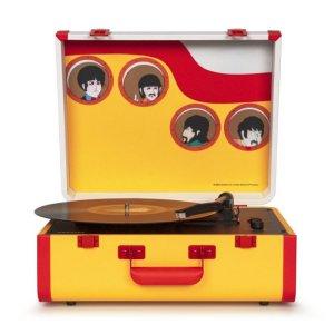 Компания Crosley Radio совместно с Apple Corps Ltd выпустили проигрыватель в стиле Yellow Submarine в рамках Record Store Day — 2021, сообщает  The Daily Beatle .  Тираж ограничен. Сделано лишь 1500 проигрывателей The Beatles Yellow Submarine Portfolio Turntable. Они доступны в независимых музыкальных магазинах в США с 12 июня.  Рекомендованная розничная цена — $159,95. На eBay его можно найти за $270 — 425.  «В прошлом Record Store Day уже работал с Crosley для создания действительно интересных проигрывателей — Disney, The Ramones, «Звездные войны» и Peanuts, но их проигрыватель Yellow Submarine — мой абсолютный фаворит. Он прекрасный, яркий, забавный, и это Битлз. Мы надеемся, что он заставит всех улыбаться так же, как песня и фильм после своего первого релиза», — заявил сооснователь Record Store Day Майкл Куртц.